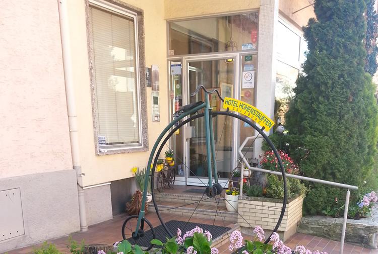 Hotel-Hohenstauffen-salzburg-Fahrrad-nostalgie.jpg