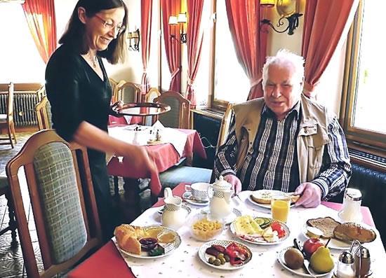 Fruehstueck-16-Hotel-Hohenstauffen-salzburg_1.jpg