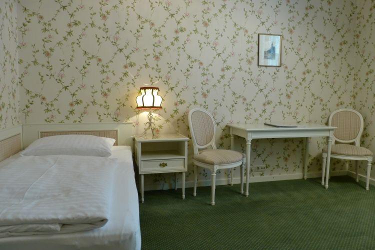 08-zimmer-hohenstauffen-hotel-salzburg.jpg