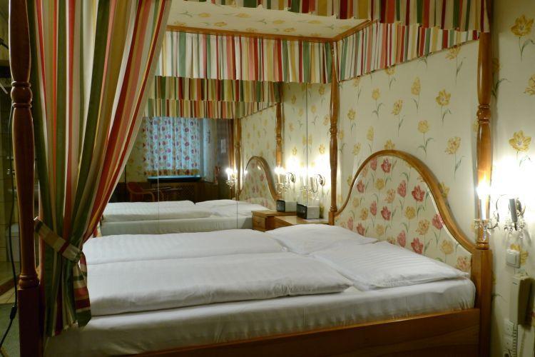 12-zimmer-hohenstauffen-hotel-salzburg.jpg