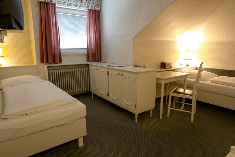 425_1-zimmer-hohenstauffen-hotel-salzburg.jpg