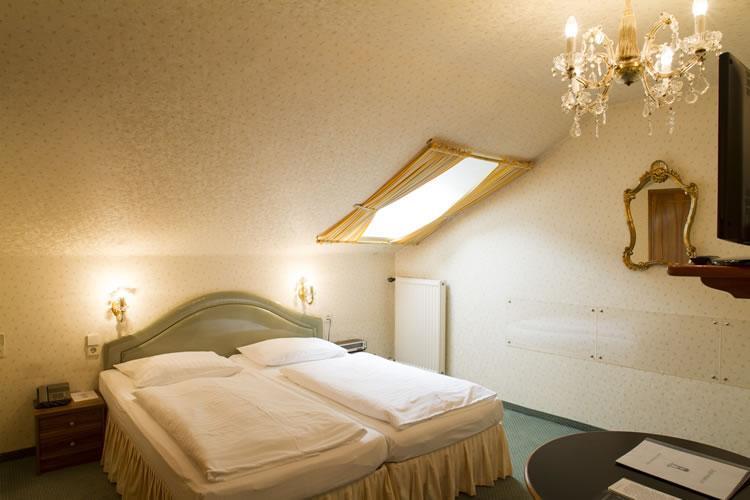 427_2-zimmer-hohenstauffen-hotel-salzburg.jpg