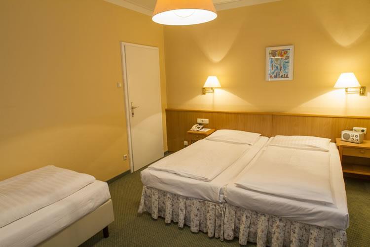 430_3-zimmer-hohenstauffen-hotel-salzburg.jpg
