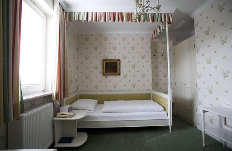 Bild-53-zimmer-hohenstauffen-hotel-salzburg.jpg