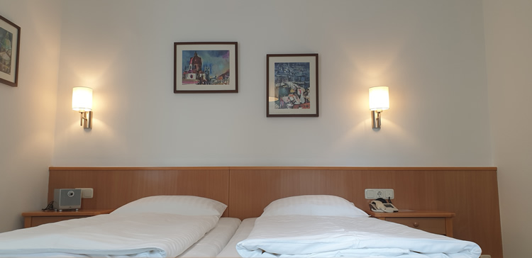 hotel-salzburg-apartment-doppelbett-750px.jpg